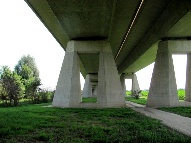 Autobahnbrücke A14