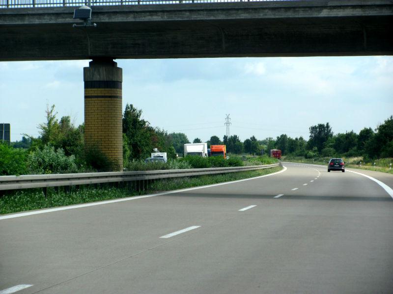 Gas geben auf der Autobahn