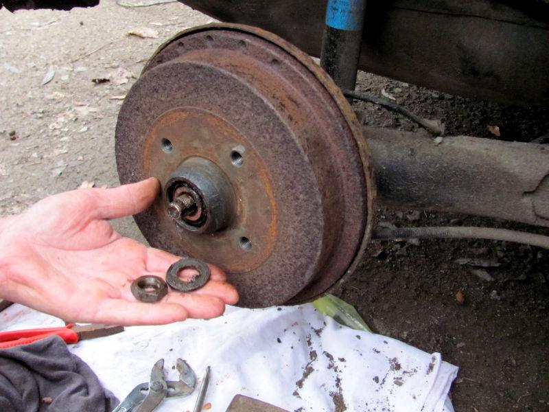 Wie wechselt man Bremsbacken 3