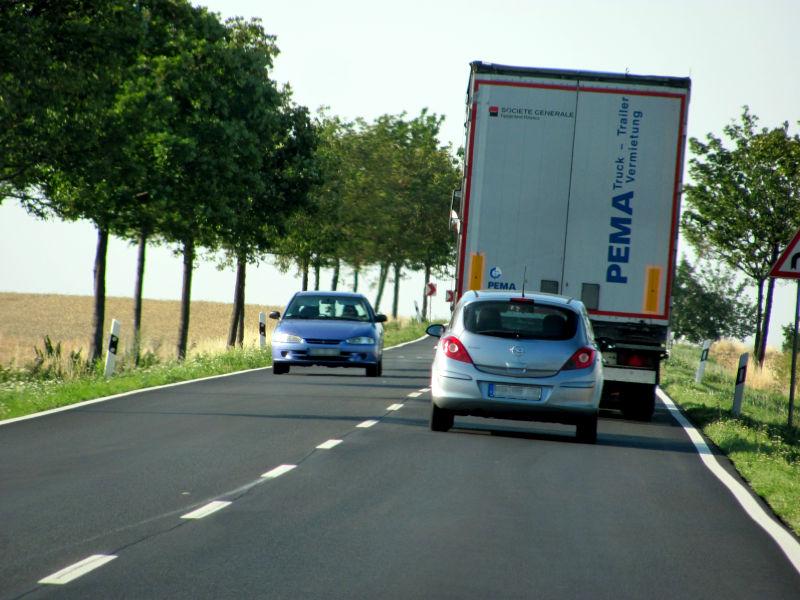 LKW richtig überholen 1