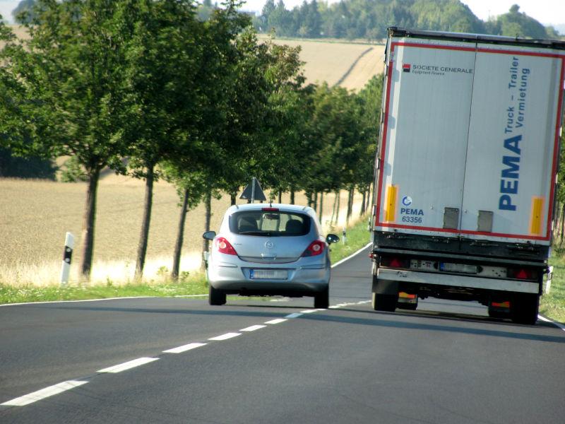 LKW richtig überholen 4
