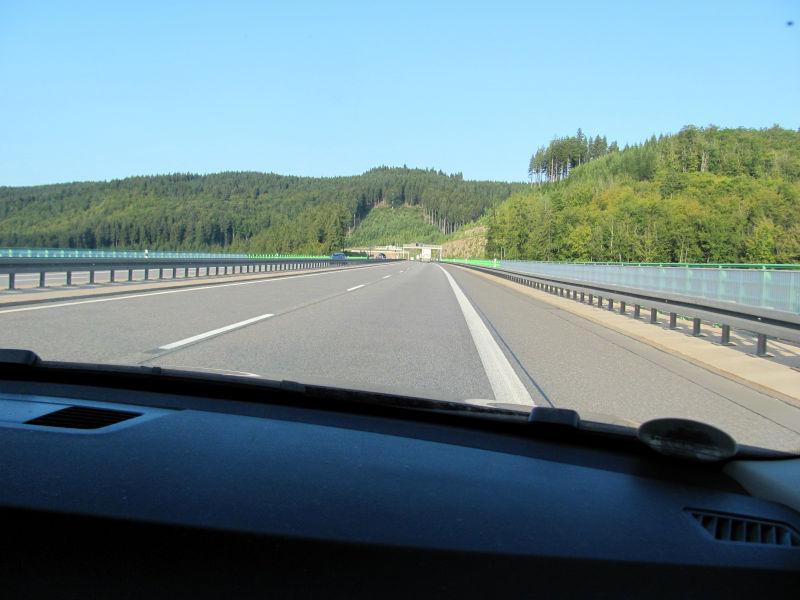 Fahren auf Autobahn